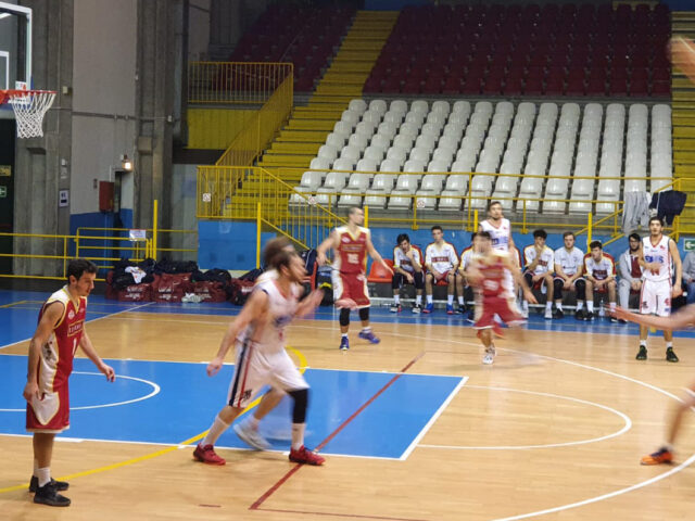 https://www.sanmaurense.it/basket/wp-content/uploads/2021/01/partita-640x480.jpg
